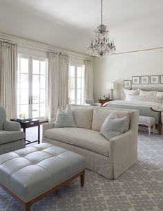 Une chambre classique   architecture d'intérieur, design, home decor, interior design. Plus d'inspirations sur http://www.bocadolobo.com/en/inspiration-and-ideas/