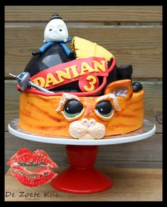 Puss in Boots cake, with Humpty Dumpty on the hat, fondant
