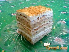 Recept za Lešnik-grilijaš tortu. Za spremanje poslastice neophodno je pripremiti jaja, šećer, brašno, lešnik, mleko, žumanca, vanil šećer, krem šlag.