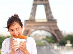 Check out this foodie insider guide to the best places to eat (street carts included) in the city of lights and romance, Paris. Best Places To Eat, The Places Youll Go, Travel Hack, Saint Chapelle, Play And Stay, Triomphe, Paris Ville, Paris Travel, France Travel
