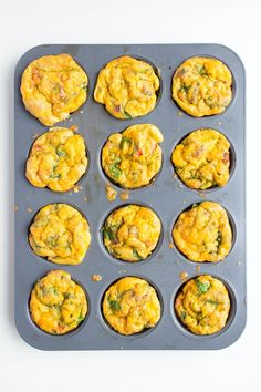scrambled egg muffins baked healthy Tried Easy and super tasty. Used spinach, broccoli, cheese and bacon bits. Freezable Meals, Make Ahead Freezer Meals, Freezer Cooking, Easy Meals, Egg Recipes, Cooking Recipes, Whole30 Recipes, Fall Recipes, Healthy Freezer Meals