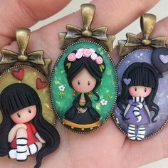Una Gorjuss vestita da Frida ^.^ #icapriccidicolombina #fimo #polymerclay #handmade #necklaces #fanart #doll #frida #fridakahlo #kawaii