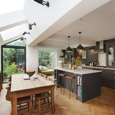 Small Kitchen Lighting Ideas Pictures for Low Ceilings - HARP POST By extending into the side return and separately out to the rear breaks up the living and dining space into more distinctive zones. Best Modern Kitchen Lighting Ideas and Tips Open Plan Kitchen Diner, Kitchen Diner Extension, Open Plan Kitchen Living Room, Home Decor Kitchen, New Kitchen, Kitchen Interior, Home Kitchens, Kitchen Ideas, Kitchen Wood