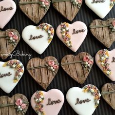 Rustic Heart cookies decorated with royal icing. Fancy Cookies, Heart Cookies, Iced Cookies, Cute Cookies, Royal Icing Cookies, Cookies Et Biscuits, Cupcake Cookies, Sugar Cookies, Flower Cookies