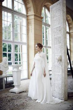 La Mania,  wedding dress!