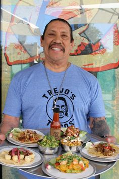 From 'Machete Kills' to vegan tacos: Actor Danny Trejo opens healthy Mexican eatery Danny Trejo Restaurant, Trejo's Tacos, Machete Kills, Taco Restaurant, Mexican Dessert Recipes, Los Angeles Restaurants, Vegan Tacos, Raw Vegan, Bon Appetit