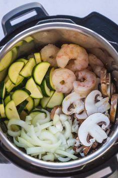 Super easy dump and start Instant Pot hibachi shrimp. Best Instant Pot Recipe, Instant Recipes, Instant Pot Dinner Recipes, Instant Pot Meals, Instant Pot Pressure Cooker, Pressure Cooker Recipes, Pressure Cooking, Hibachi Shrimp, Hibachi Chicken