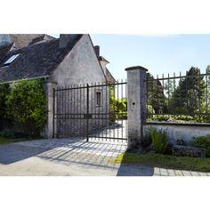 Travée acier Batignolles - Extérieur Barris, Rue, Louvre, Construction, House Styles, Building, Garden, Home Decor, Iron