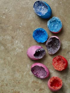 Grow way-cool crystal geodes with just a few household basics.