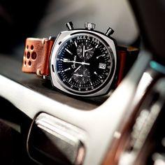 Vous le savez certainement, mais je suis un grand fan des chronos à inspiration automobile. Celui-ci en est un parfait exemple. Geckota est une marque anglaise qui n'est que peu connue, mais qui a le mérite de ne refléter que de la qualité. Ce chrono s'inspire directement des années 60 et 70 pour proposer un design particulièrement …
