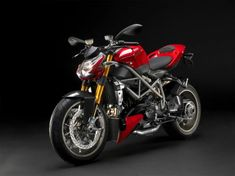 As every bike lover knows that the name Ducati signifies style, speed and class into one single machine. This is the case with all the machines that Ducati has built thus far. Moto Ducati, Ducati 848, Ducati Streetfighter S, Ducati Motorbike, Yamaha Motocross, Ducati Desmo, Ducati Monster 1100, Diesel, Street Fighter Motorcycle