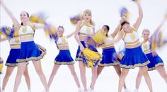 shake it off music video gifs | Taylor Swift's 'Shake It Off' Is Your New DGAF Anthem