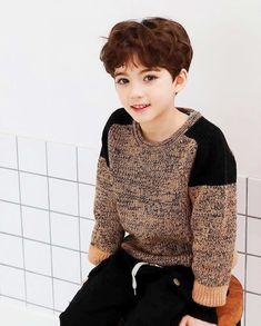 Lil Boy, Cute Little Boys, Cute Baby Boy, Cute Boys, Baby Models, Child Models, Cute Asian Babies, Cute Babies, Cute Kids Pics