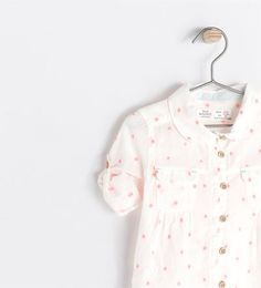 Image 3 de Chemise imprimée manches retroussables de Zara