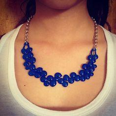 Collar azul silicona - instagram @santaluaccesorios