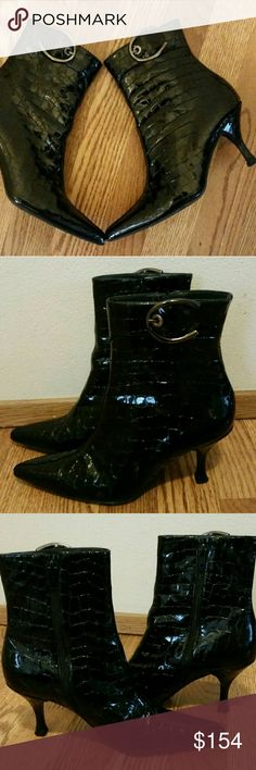 Stuart Weitzman Ankle Boots Croc Patent Leather 100% Authentic Stuart Weitzman Boots!  Great condition - light signs of wear on bottom soles/heels. Stunning black ankle boots in luxuriously sleek croc print patent leather. Silver tone buckle accents and stylish pointed toe. Slim three inch heel, sexy and comfortable. Side zip closure. Durable anti slip bottom soles.  Beautiful boots that kiss your feet wherever you take them : ) Women's size 6 M (medium width). In my experience Stuart…
