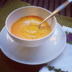 This basic butternut squash soup recipe, is just blended butternut squash, fresh ground black pepper, and sea salt. It's paleo and vegan friendly.