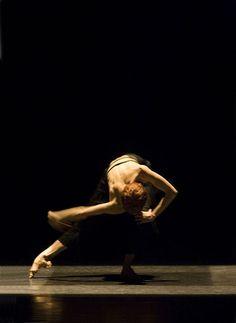 Sylvie Guillem - that foot! Contemporary Dance, Modern Dance, Dance Photos, Dance Pictures, Royal Ballet, Natalia Romanova, Dance It Out, Dance Movement, Lets Dance