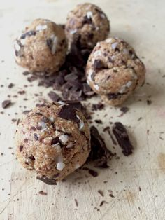 Protein packed post-workout cookie dough bites - with 28 grams of protein per serving!