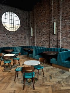 The Williamsburg Hotel — This Is The Place I Was Telling You About Lounge Design, Bar Lounge, Design Hotel, Pub Interior, Restaurant Interior Design, Restaurant Seating, Modern Restaurant, Williamsburg Hotel, Juice Bar Design