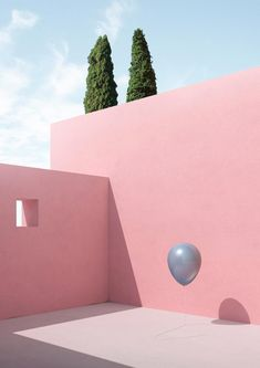 Italian digital artist Massimo Colonna's 'Gravity' series depicts everyday objects suspended in the air, floating between the corners of Luis Barragan-esque buildings. Poster Architecture, Minimalist Architecture, Architecture Design, Concrete Architecture, Murs Roses, Design Simples, Minimal Photography, Flash Photography, Everyday Objects