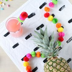 Make these colorful honeycomb garlands and drink stirrers for Cinco de Mayo.