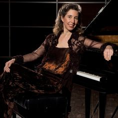 Angela Hewitt #piano #pianist © Peter Hundert