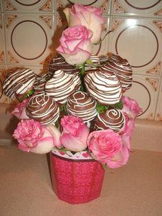 Arreglos de Fresas con Chocolate, Cake Balls y Rosas Naturales.  http://www.facebook.com/photo.php?fbid=461919523822129=a.461918263822255.117265.460501667297248=3   http://www.facebook.com/photo.php?fbid=461919523822129=a.461918263822255.117265.460501667297248=3