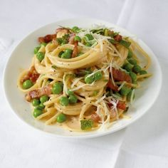 ESSEN & TRINKEN - Spaghetti-Erbsen-Carbonara Rezept