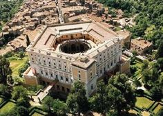 idee weekend per bambini lazio palazzo farnese caprarola viterbo Star Fort, Italy Coffee, Renaissance Architecture, Italian Garden, Tourist Information, Aerial View, Mansions, House Styles, Places