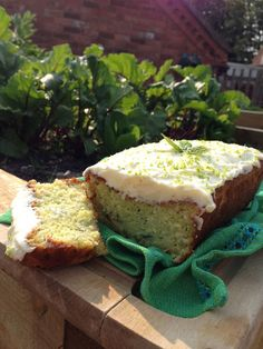 katie's kitchen journal: Courgette and Lime Cake