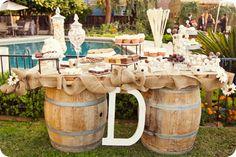 Burlap wedding | Jennifer Eileen Photography | Wedding Photographer for the DIY Bride