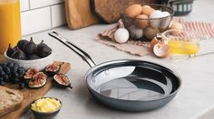 Hestan |   Reinventing cookware. Beginning with the molecules.