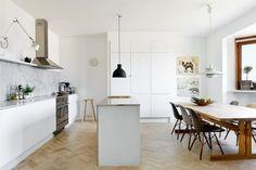 New Apartment Kitchen Dining Cupboards Ideas Apartment Kitchen, Apartment Design, Kitchen Interior, Kitchen Dinning, Kitchen Decor, Open Kitchen, Kitchen Layout, Kitchen Island, Skinny Kitchen