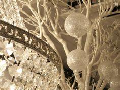 Vain valkeata joulua - vai sittenkinkö kultaa ja hopeaa?