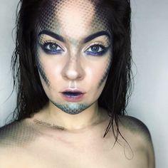 Deep sea mermaid sea siren makeup. Halloween makeup.