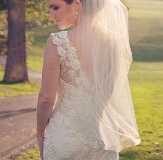 Uno de los errores del velo de novia es no elegir uno que sea acorde a tu estatura ¿Más consejos y errores? En el blog http://elblogdemariajose.com/errores-del-velo-de-novia/ #bodas #elblogdemariajose #velonovia