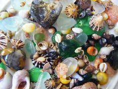 Beach-Combing Magpie: Sea glass, mermaid tears & sea shell mirrors...