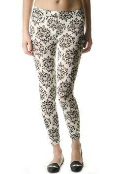 #Leggings #Signity Capri Pants, Pajamas, Pajama Pants, Leggings, Fashion, Capri Trousers, Moda, La Mode, Fasion