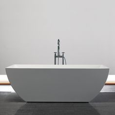 Shop Jade Bath French Riviera Freestanding Soaking Bathtub at Lowe s Canada   Find our selection of bathtubs   whirlpool tubs at the lowest price  guaranteed  Jade Bath   Zen 59 po   Baignoire autoportante   BA1866 59   Home  . Free Standing Tub Canada. Home Design Ideas