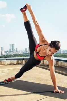 """Face those """"oh no"""" poses with master yogi confidence in a high-waisted compressive tight made for yoga and studio — the Nike Women Zoned Sculpt Capri."""