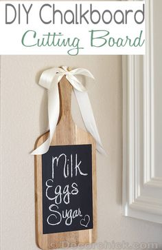 DIY Chalkboard Cutting Board | www.decorchick.com // Christmas for the chef; housewarming gift; hostess gift