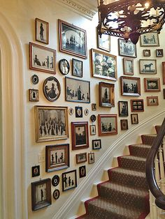 The Most Beautiful Foyers in Vogue-Photos A collection of silhouettes provides the decor in the stair hall of Charleston's Mikell House, home to Southern Charm's Patricia Altschul. Hall Decoration Ideas –Boxwood Eucalyptus CottonA beautiful addition to t Decoration Hall, Staircase Decoration, Stairway Decorating, Stair Wall Decor, Beautiful Decoration, Decorations, Diy Wall, Interior Decorating, Interior Design