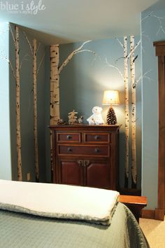 Hand painted birch trees...I wish I knew someone who could do this more my little girls room