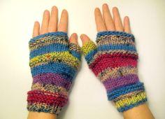 Copripolsi in lana  guanti senza dita  guanti di piccolibijoux, €15.00
