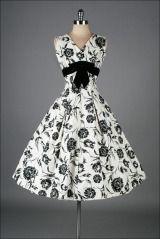 Vintage 1950's Elinor Gay Black White Cotton Floral Dress thumbnail 2