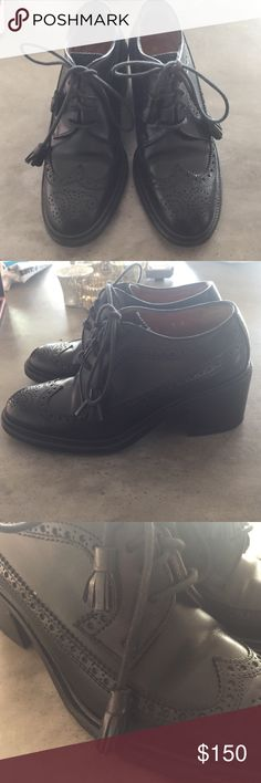 RALPH LAUREN Leather Tassel Brogues 35 Super classic leather brogues by RALPH LAUREN. Super sturdy! Tassels on end of laces are the perfect touch. Ralph Lauren Shoes Ankle Boots & Booties