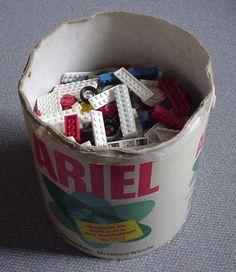 Oh ja !!! :-) Der Eimer der Glückseligkeit! Ich hatte zwei davon. Meine waren von Dash und Persil mit Deckel. Voll mit LEGO ... GENIAL!