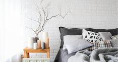 Πώς αντιμετωπίζουμε τα ακάρεα που κοιμούνται στο κρεβάτι μας, τα οποία μπορεί να φταίνε για το πρωινό μας συνάχι. Throw Pillows, Furniture, Butter, Home Decor, Bread, Bedroom, Toss Pillows, Decoration Home, Cushions