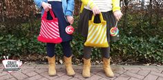 Mini Swirl tas, als variant op haar Summer Swirl bag haakte Liza van Confetti lab deze schattige tasjes met Durable Cosy fine. Longchamp, Confetti, Cosy, Lab, Tapestry, Tote Bag, Crochet, Mini, Summer